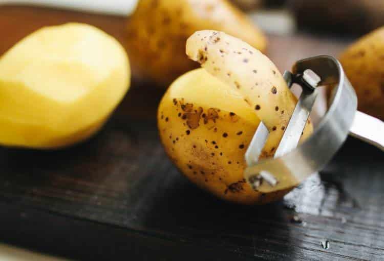 Γλυκοπατάτες vs λευκές πατάτες: Ποια είναι η διατροφική τους αξία και ποιες οι διαφορές τους