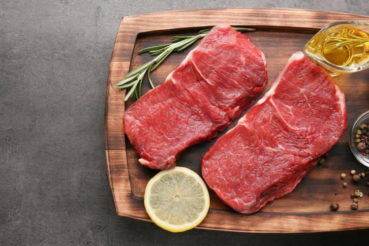 Πανεπιστήμιο Εδιμβούργου: Πώς συνδέεται η κατανάλωση κόκκινου κρέατος με την πρόωρη γήρανση
