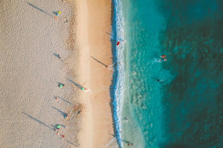 Ποιες είναι οι παραλίες της Αττικής που κρίθηκαν κατάλληλες και ασφαλείς για κολύμβηση