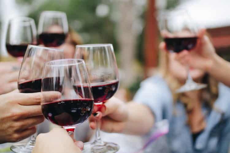 To smartphone σύντομα θα μας ειδοποιεί αν έχουμε καταναλώσει παραπάνω αλκοόλ, σύμφωνα με έρευνα