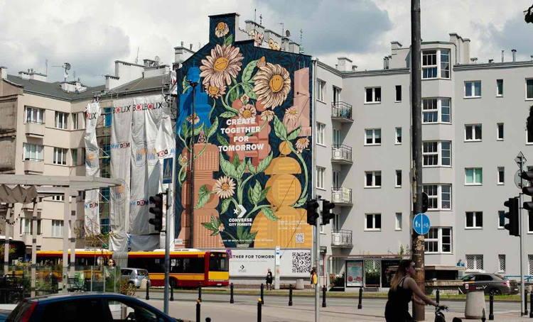Βαρσοβία: Πολύχρωμη τοιχογραφία απορροφά νέφος και καθαρίζει τον αέρα της περιοχής
