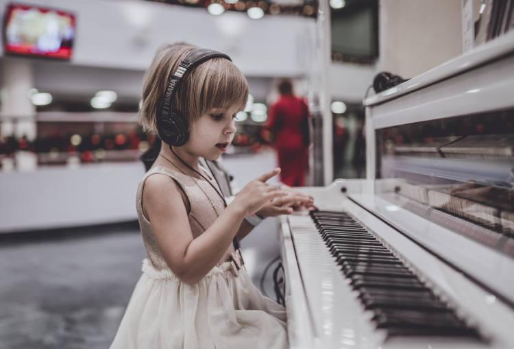 Μουσική: Πώς ωφελεί την ανάπτυξη και τη λειτουργία του εγκεφάλου μας