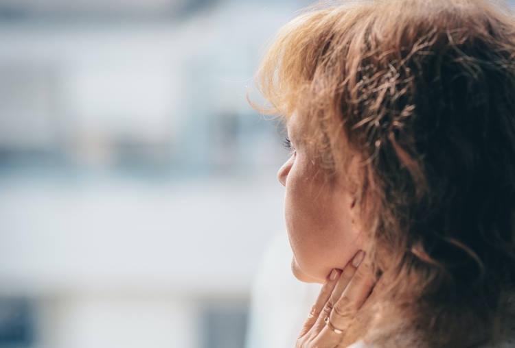 Ποιες συνήθειες επιταχύνουν τη διαδικασία γήρανσης σε σώμα και νου