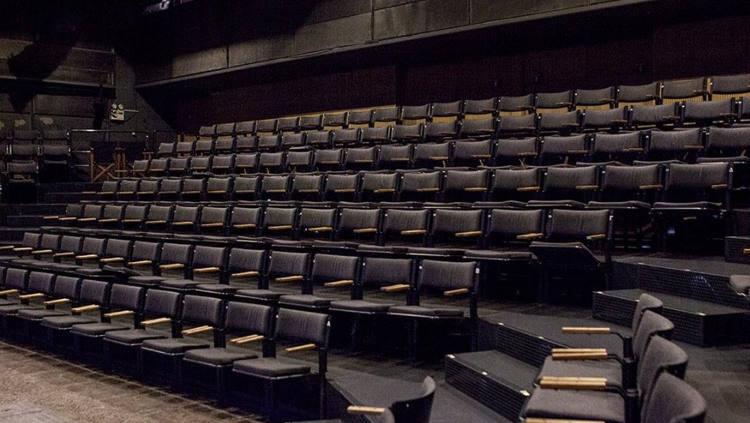 Το Θέατρο Πορεία ξεκινά με κινηματογραφούμενες παραστάσεις – Πρεμιέρα με το «Γιούγκερμαν»