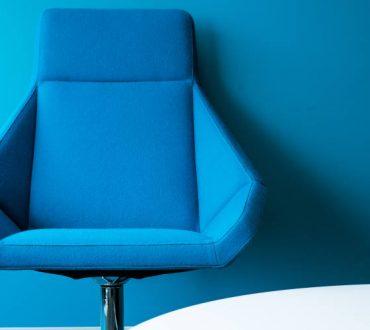 Έξυπνοι τρόποι να κάνουμε την καρέκλα του γραφείου πιο εργονομική και να μειώσουμε τις επιπτώσεις της καθιστικής ζωής