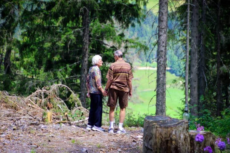 Η καλύτερη άσκηση για τους ηλικιωμένους είναι η υψηλής έντασης διαλειμματική προπόνηση, σύμφωνα με έρευνα