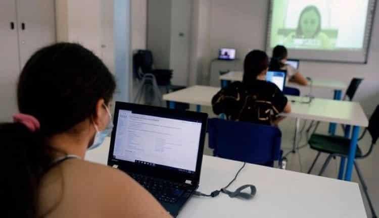 Τα Παιδικά Χωριά SOS προσφέρουν συνεχή ψηφιακή εκπαίδευση στα πιο ευάλωτα παιδιά
