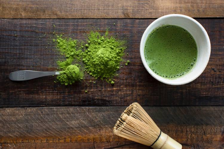 Πράσινο τσάι vs μάτσα: Ποιες είναι οι διαφορές των δημοφιλών ροφημάτων