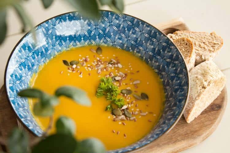 Συνταγή: Σούπα κολοκύθας με 7 συστατικά που τονώνουν την πεπτική λειτουργία