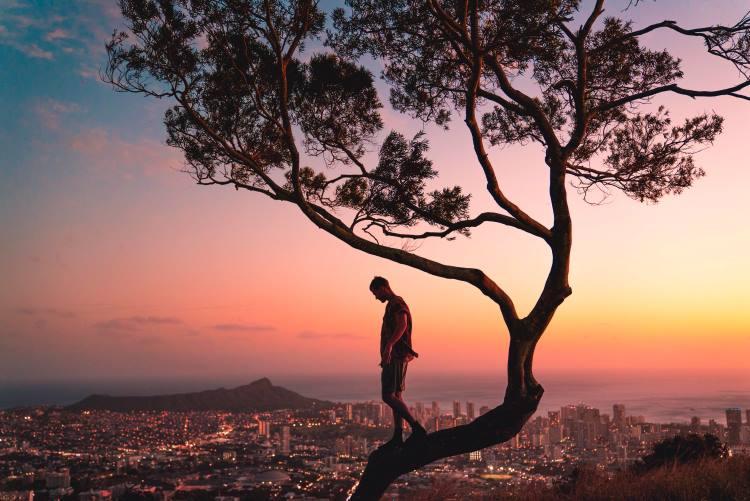 Alain De Botton: Οι 8 βασικοί κανόνες της ζωής που χρειάζεται να υπενθυμίζουμε στον εαυτό μας