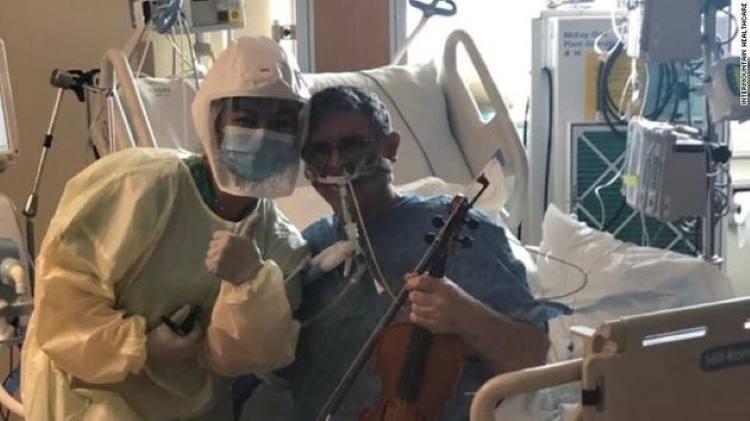 ΗΠΑ: Ασθενής σε ΜΕΘ παίζει βιολί για να ευχαριστήσει τους γιατρούς (Βίντεο)