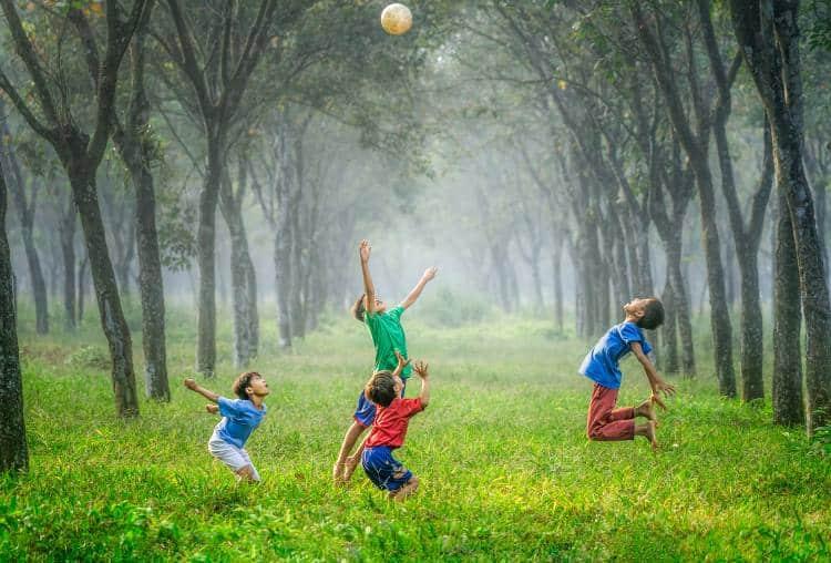Έρευνα: Τα παιδιά «παίρνουν» έως και 20 εκατοστά λιγότερο ύψος αν ακολουθούν κακή διατροφή