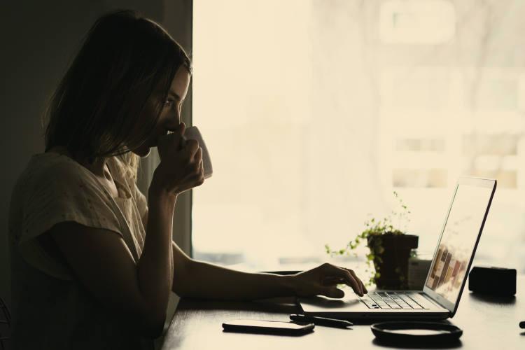 Πώς η καθημερινή κατανάλωση καφέ μπορεί να επηρεάζει τα επίπεδα άγχους