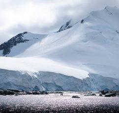 Πώς οι παγετώνες της Ανταρκτικής μας βοηθούν να ταξιδέψουμε πίσω στο χρόνο