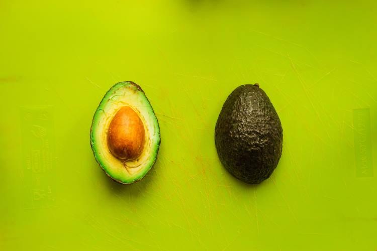 Τι συμβαίνει στον οργανισμό μας όταν καταναλώνουμε αβοκάντο κάθε μέρα