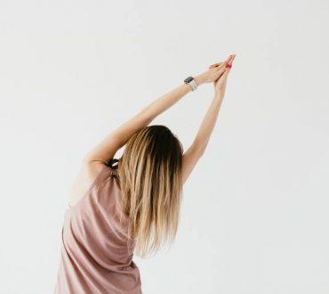 Χειροπρακτική: 6 διατάσεις που βοηθούν στην ανακούφιση του πόνου στην πλάτη