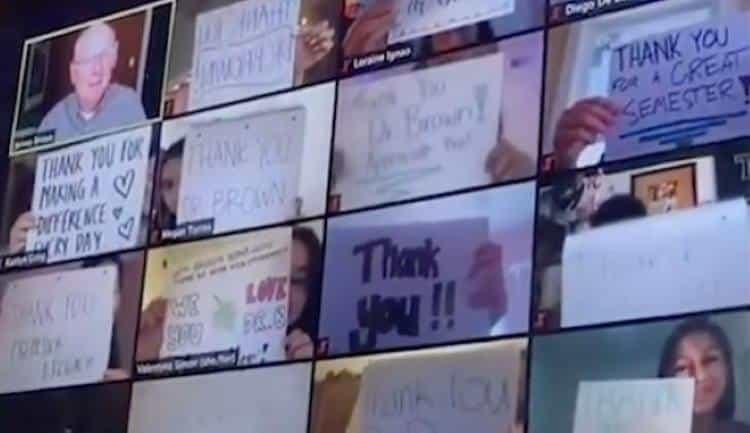 """Το συγκινητικό """"ευχαριστώ"""" μαθητών στον καθηγητή τους μέσω zoom τον έκανε να δακρύσει (βίντεο)"""