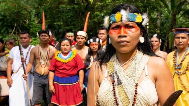 Nemonte Nenquimo: Η ιθαγενής που προστάτευσε 500.000 στρέμματα τροπικού δάσους βραβεύτηκε με το «Πράσινο Νόμπελ»