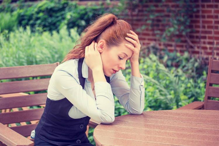 Σύνδρομο ευερέθιστου εντέρου: Πώς να καταφέρετε να μην σας επηρεάσει το άγχος των γιορτών