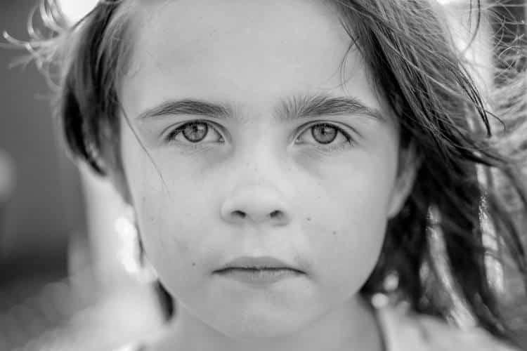 Μπορεί τα παιδιά να εμφανίσουν εποχιακή συναισθηματική διαταραχή; Τι χρειάζεται να γνωρίζουν οι γονείς