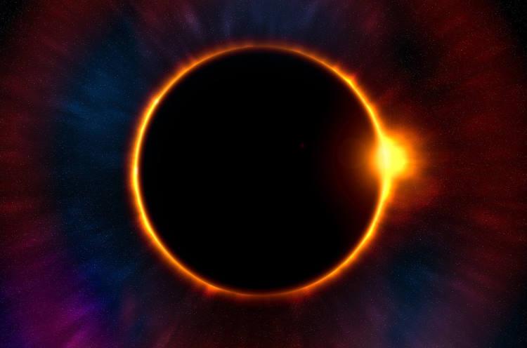Επιστήμονες ανακάλυψαν σπάνιο αστρικό σύστημα που έχει έξι ήλιους και έξι εκλείψεις