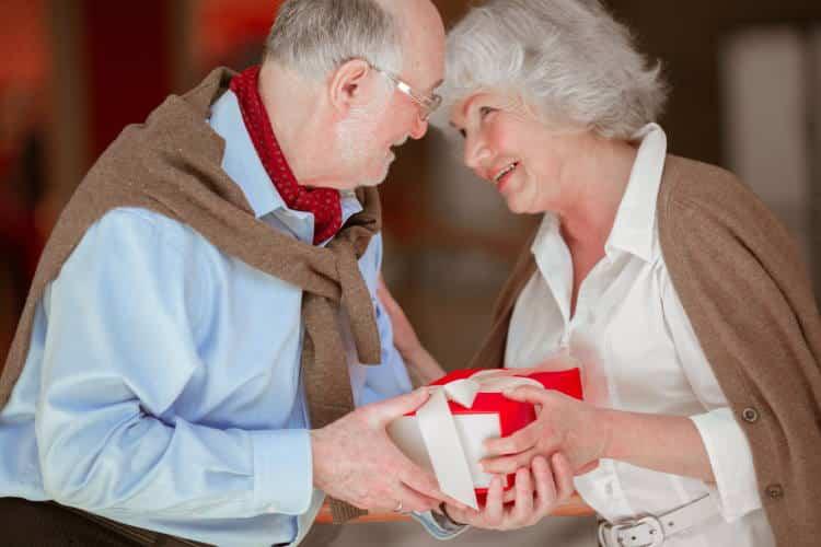 Για να επιβιώσει και να εξελιχθεί μια σχέση πρέπει ο ένας να θαυμάζει τον άλλον