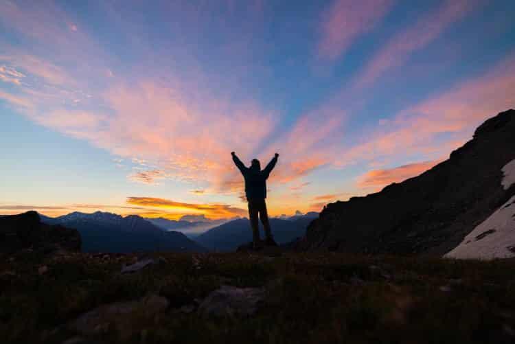 Jack Kerouac: «Επειδή στο τέλος δεν θα θυμάσαι τις ώρες που ξόδεψες στο γραφείο, ανέβα επιτέλους σ' εκείνο το ρημάδι το βουνό»