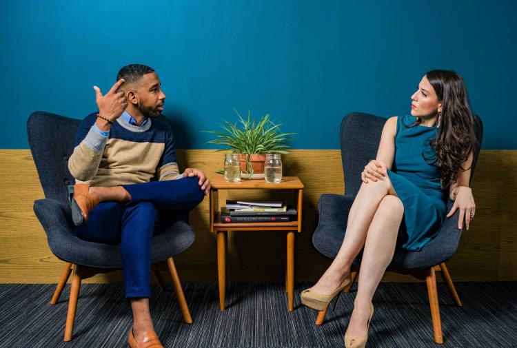 Η ψυχολογία του ψεύδους: Θέτοντας τις σωστές ερωτήσεις για να εντοπίζουμε την απάτη
