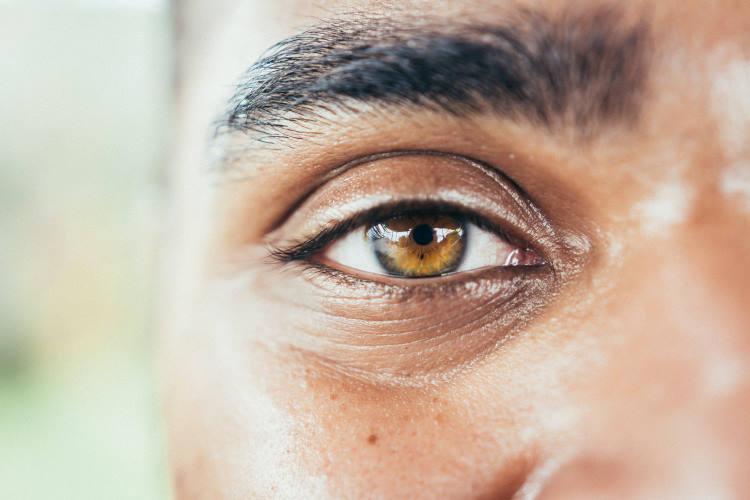 Τυφλός άνδρας ανέκτησε την όρασή του μετά την πρώτη τοποθέτηση τεχνητού εμφυτεύματος κερατοειδούς χιτώνα