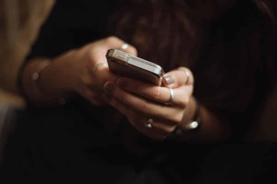 10 πράγματα που συμβαίνουν όταν σταματάμε τη χρήση των μέσων κοινωνικής δικτύωσης