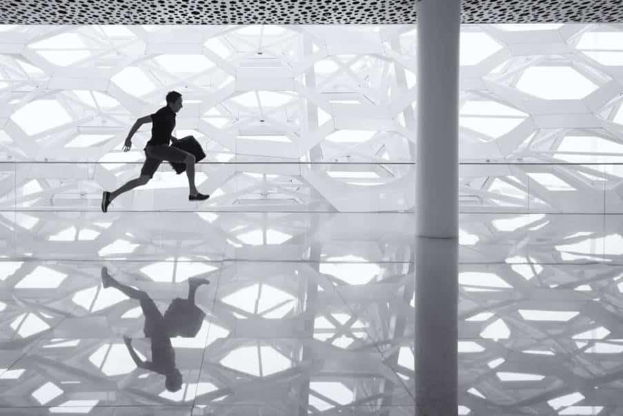 6 σημάδια που δείχνουν ότι η συνήθεια της βιασύνης δυσχεραίνει τη ζωή μας