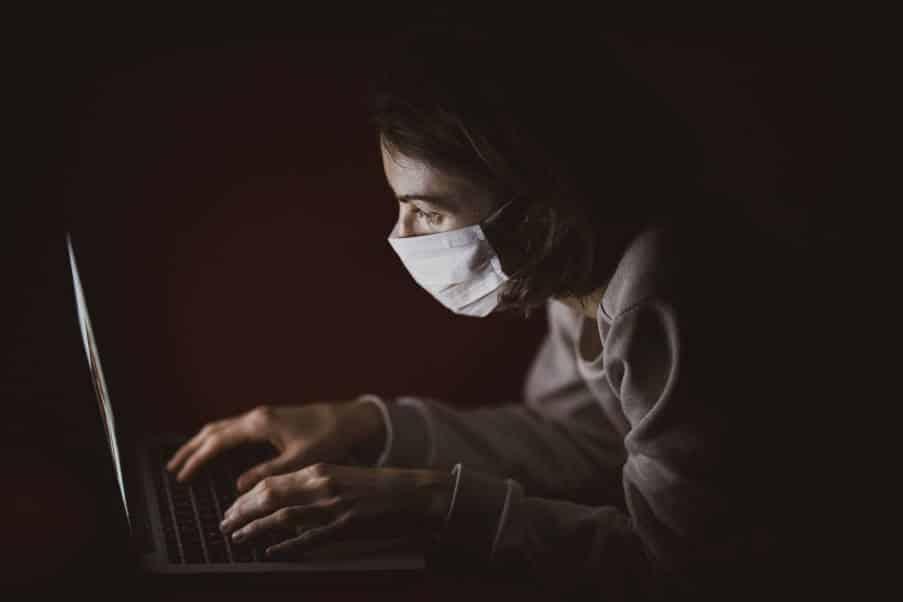 Άγχος υγείας: Τι είναι και πώς να το διαχειριστούμε εν καιρώ πανδημίας