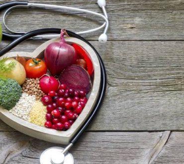 Διατροφή για την υγεία της καρδιάς: 5 συμβουλές για να την απογειώσετε