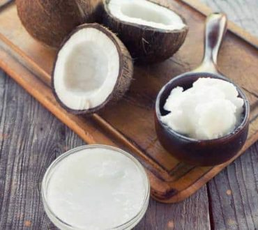 7 δημιουργικοί τρόποι να χρησιμοποιήσετε το λάδι καρύδας στη διατροφή και περιποίησή σας