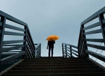 «Φόβος για την επιτυχία»: Πώς καταλαβαίνουμε ότι ζούμε με αυτόν και πώς να τον απομακρύνουμε