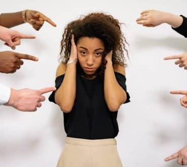 Γιατί η λεκτική κακοποίηση είναι τόσο επικίνδυνη αλλά υποτιμάται από την κοινωνία