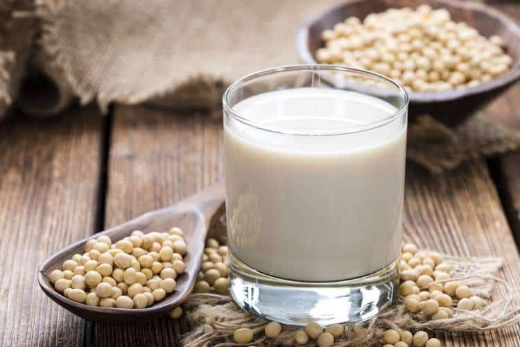 Υποκατάστατα ζωικού γάλακτος: Ποιες είναι οι επιλογές μας
