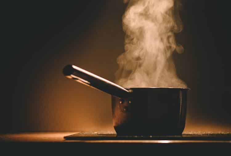 5 κακές συνήθειες στη μαγειρική που χρειάζεται να αποφεύγουμε