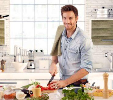 6 κόλπα που θα σας μετατρέψουν σε αυθεντίες της μαγειρικής!