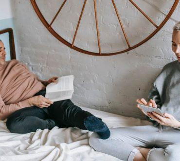 Οι μεσήλικες που κοιμούνται λιγότερο από 6 ώρες έχουν μεγαλύτερο κίνδυνο άνοιας, σύμφωνα με έρευνα