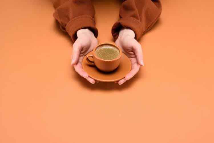 Ποια είναι η καλύτερη ώρα της ημέρας για να πίνουμε τον καφέ μας