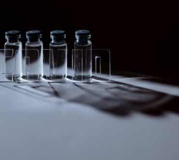 Ποιες είναι οι πιθανότητες θρόμβωσης από τα εμβόλια κατά του κορονοϊού