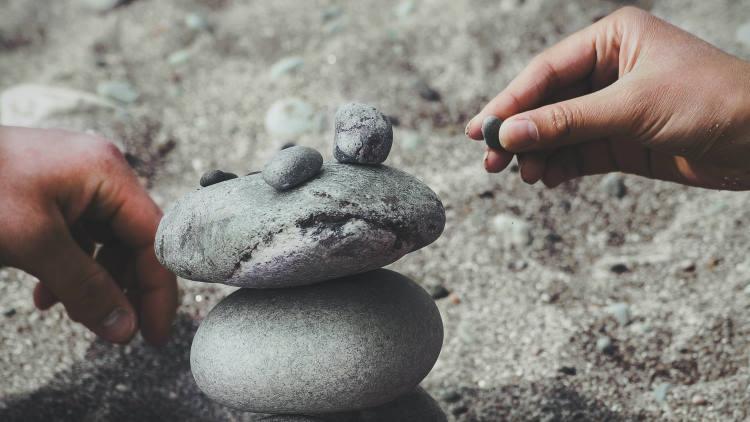 Ψυχική δύναμη: Πώς διαφέρει από την ψυχική υγεία και πώς χτίζεται