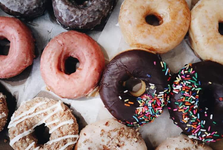 Πώς μπορούμε να μειώσουμε την κατανάλωση ζάχαρης επιτυγχάνοντας το καλύτερο αποτέλεσμα