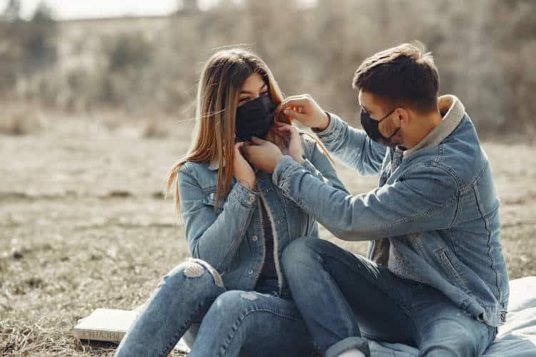 Πώς η πανδημία έχει επηρεάσει τις σχέσεις - Έρευνα καταδεικνύει τα θετικά και τα αρνητικά