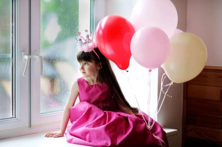 Πώς τα στερεότυπα επηρεάζουν την εξέλιξη των μικρών κοριτσιών
