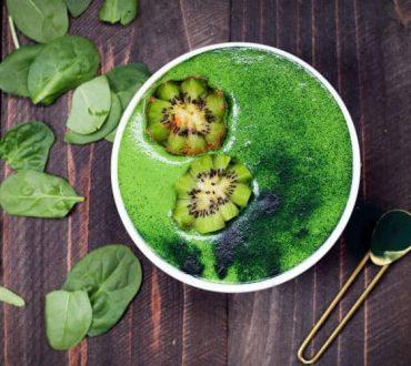 Συνταγή: Πράσινο smoothie που προσφέρει ενυδάτωση ίση με 3 ποτήρια νερού