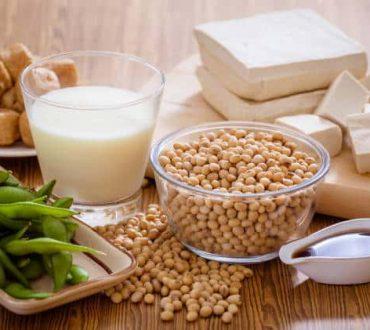 Σόγια: Ποια είναι τα οφέλη της και πώς μπορούμε να την ενσωματώσουμε στη διατροφή μας
