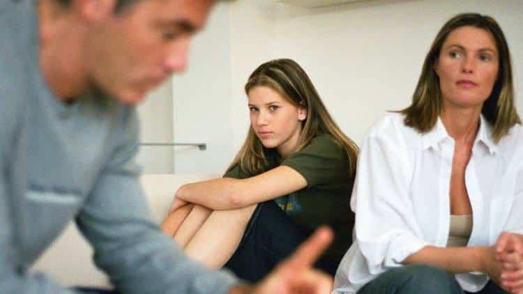 Γιατί οι στενότερες οικογενειακές μας σχέσεις μπορεί να προκαλέσουν κατάθλιψη