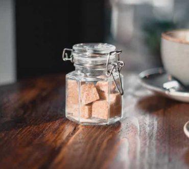 Πώς η ζάχαρη αλλάζει το μικροβίωμα του εντέρου αυξάνοντας τον κίνδυνο φλεγμονών